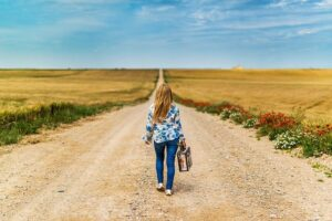 Suitcase Girl Leaving Child Person  - josealbafotos / Pixabay